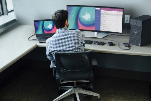 Dell launches UltraSharp Monitors and meeting space solutions for people working from home