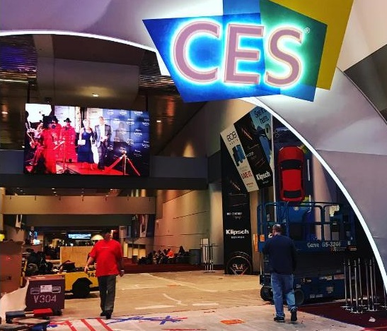 AI, smart devices, driverless cars shine at CES 2017